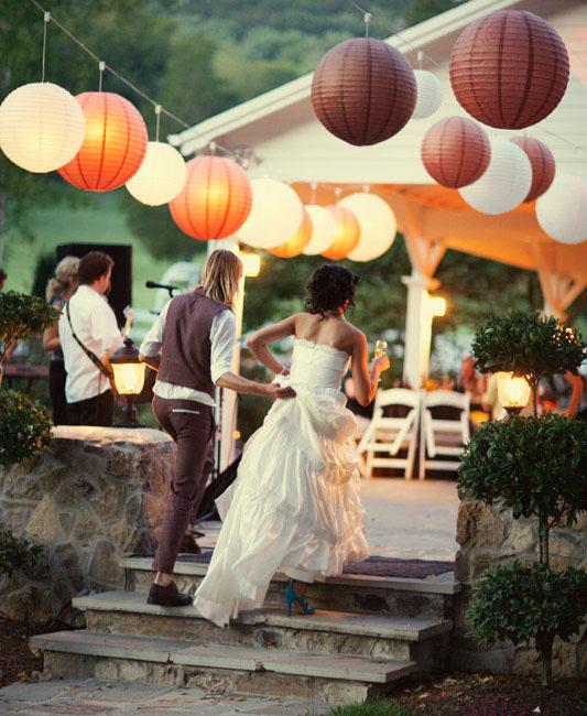 Bryllups dekoration med rispapirlamper